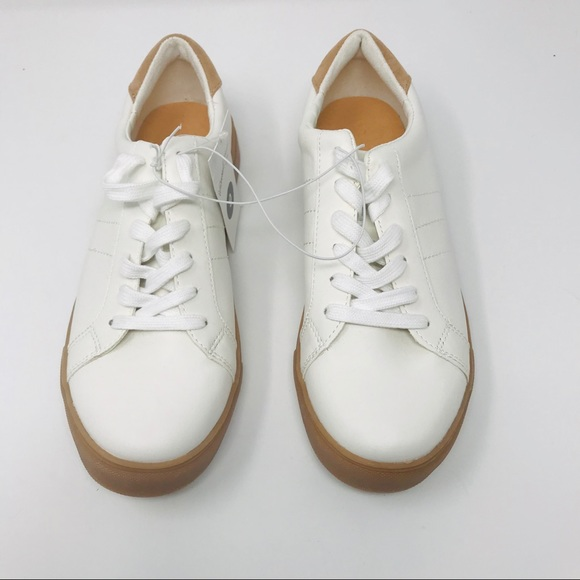 2ae24cd33631 Universal Thread Shoes | Womens White Lace Up Sneakers | Poshmark